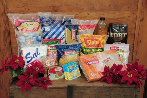 As cestas básicas são alimentos para o sustento durante um mês para uma família, nela ainda deve estar incluso produtos de limpeza e higiene pessoal