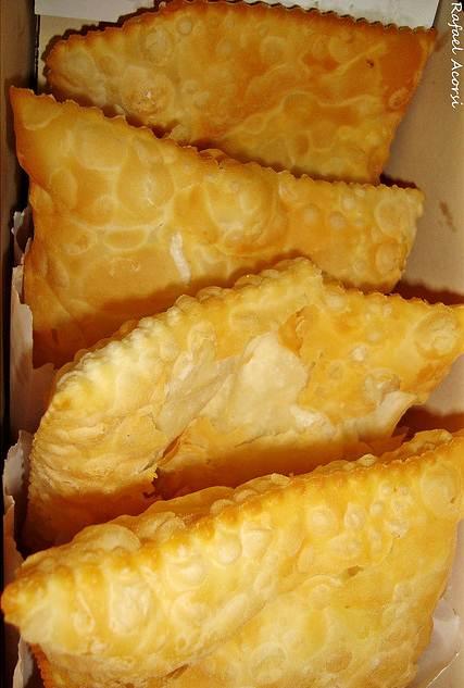 Em todo o Brasil, os pastéis de queijo, frango e carne são os preferidos