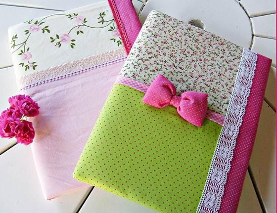 Caderno modificado de forma artesanal