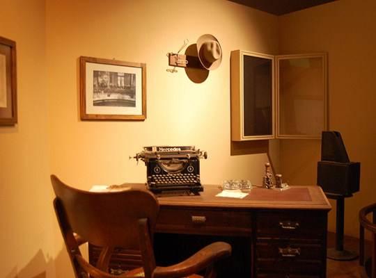 Móveis antigos para escritório