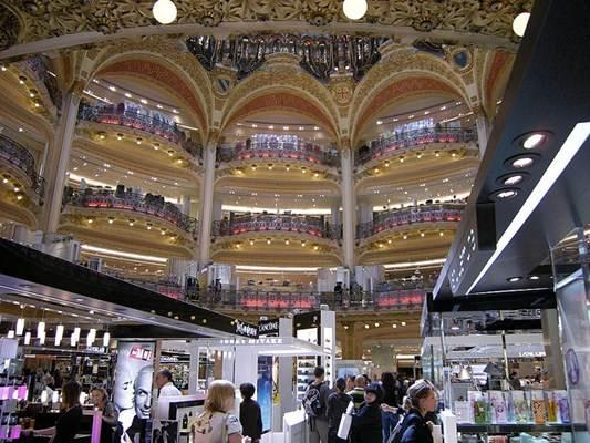 Lojas de departamentos em Paris