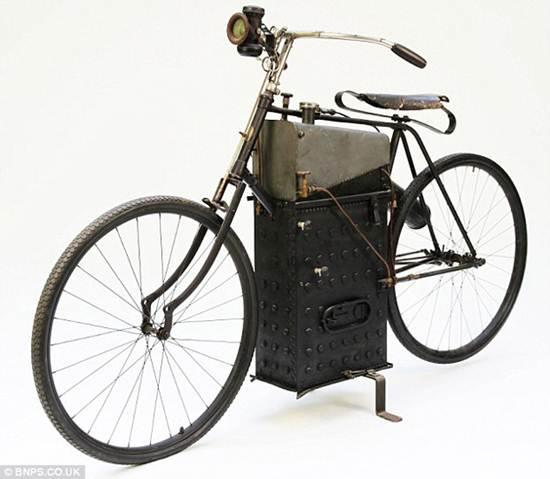 O inventor, Sylvester Rope morreu em 1896, pedalando