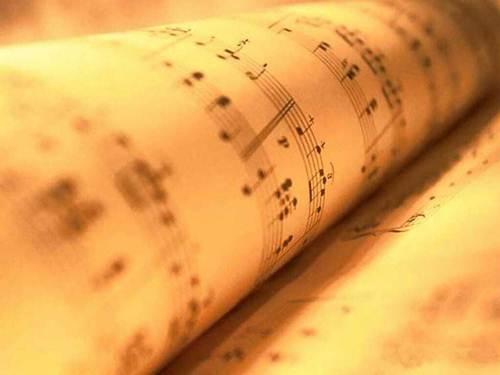 A leitura de partituras é o primeiro passo em uma escola de música