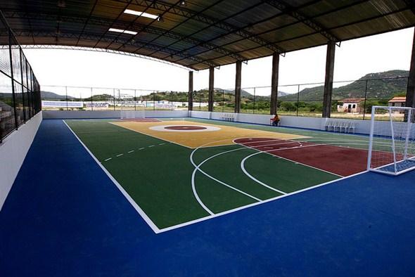 As quadras poliesportivas são usadas para prática de todos os tipos de esporte