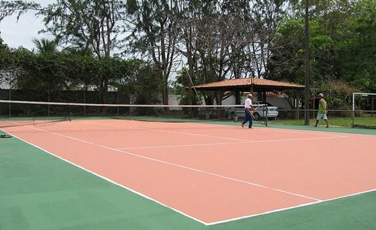 A quadra de tênis pode ser utilizada no mesmo dia do término de sua contrução.