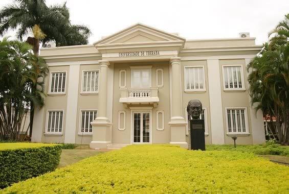 Universidade de Uberaba - Policlínica, onde são realizados parte dos atendimentos à saúde