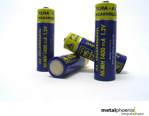 Sempre que for descartar pilhas jogue-os em local adequado, pois é prejudicial ao ambiente, à você
