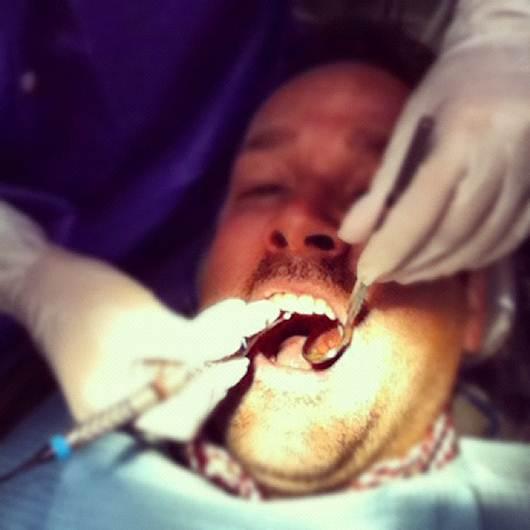 A saúde começa pela boca, por isso vá regularmente ao dentista