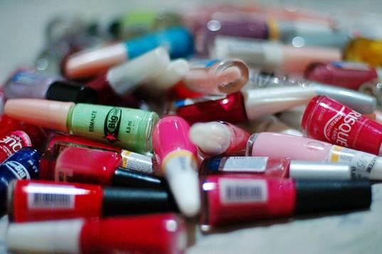 O mercado brasileiro dispõe de diversas cores e marcas