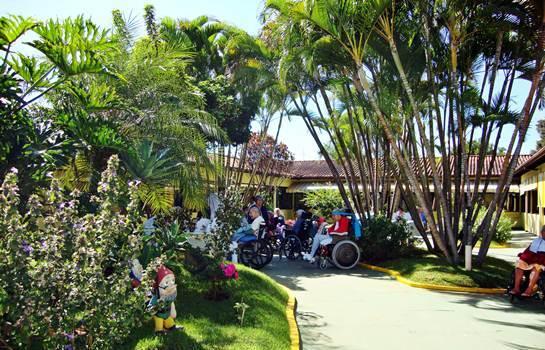 As clínicas geriátricas devem manter um espaço verde