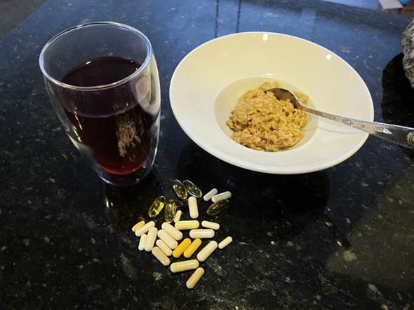Suplementos alimentares ergogênicos devem ser ingeridos durantes as refeições