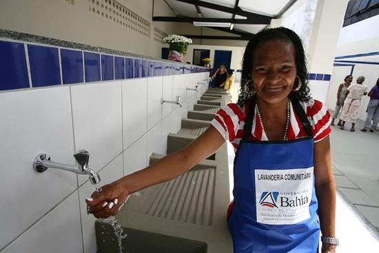 Na Bahia, lavanderias comunitárias já foram intaladas para uso da população mais carente