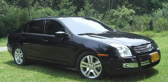Carro com vidros blindados