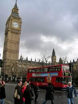 Em Londres os ônibus urbanos são usados por turistas