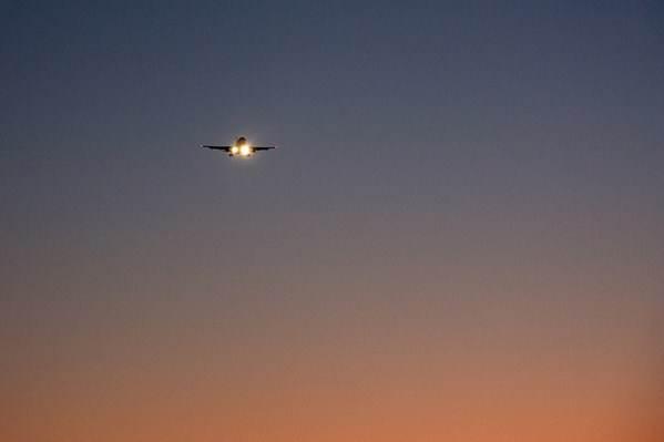 Para que o transporte aéreo funcione é preciso avaliar as condições naturais do tempo