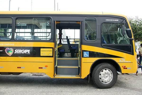 Transporte de passageiros destinados aos estudantes