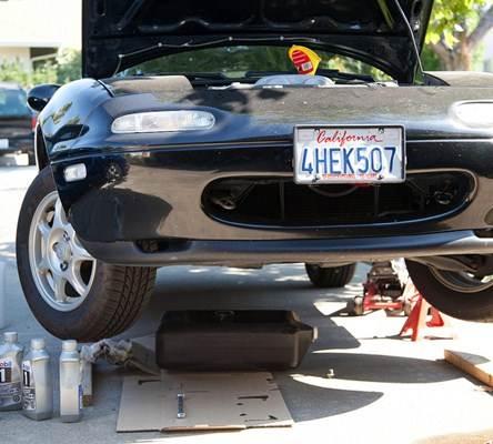 Troca de óleo em carro